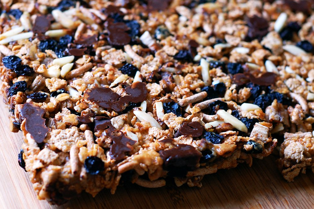 blueberry banana peanut bar hiking snack