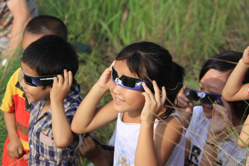 total solar eclipse viewing tips